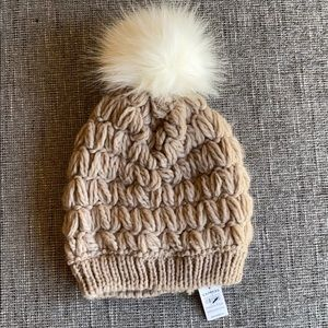 NWT Express Beanie with ball
